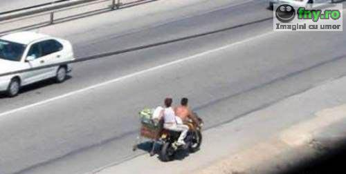 Motocicleta cu cos imagini haioase