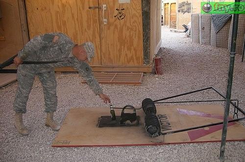 Capcana pentru soldati imagini haioase